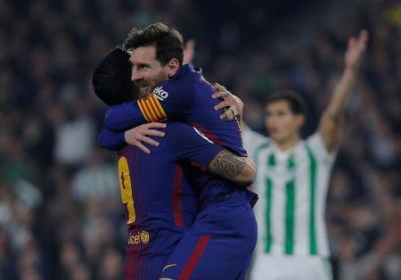 Soccer Football - La Liga Santander - Real Betis vs FC Barcelona - Estadio Benito Villamarin, Seville, Spain - January 21, 2018 Barcelona's Luis Suarez and Lionel Messi celebrate a goal REUTERS/Jon Nazca