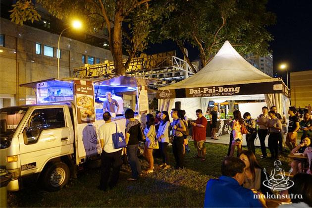 The queue for Top Chef Paul Qui's tacos and kinilaw food truckwas the longest among the lot