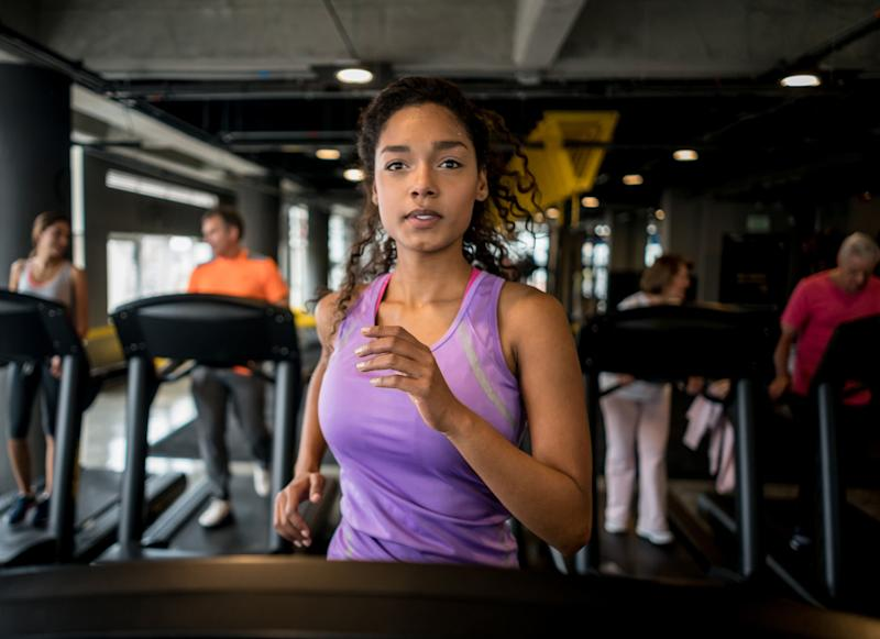 Many rude gym behaviors involve the use of shared equipment. (Photo: andresr via Getty Images)