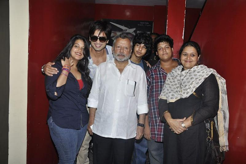 Shahid Kapoor with his siblings