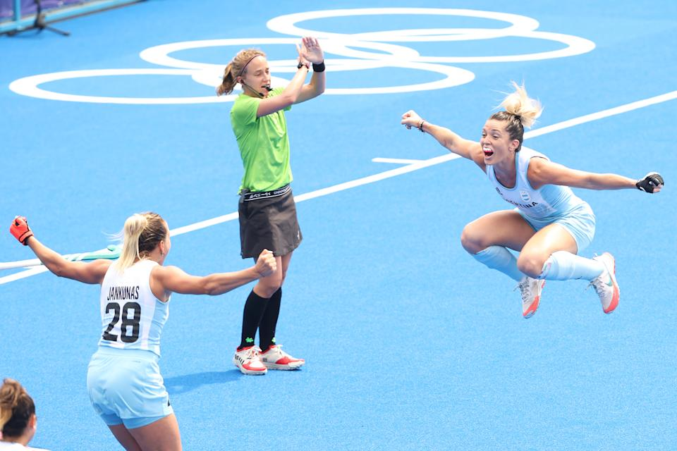 <p>Agustina Albertarrio of Team Argentina celebrates scoring the first goal with Julieta Jankunas during the Women's Quarterfinal match between Germany and Argentina on day ten of the Tokyo 2020 Olympic Games at Oi Hockey Stadium on August 02, 2021 in Tokyo, Japan. (Photo by Alexander Hassenstein/Getty Images)</p>