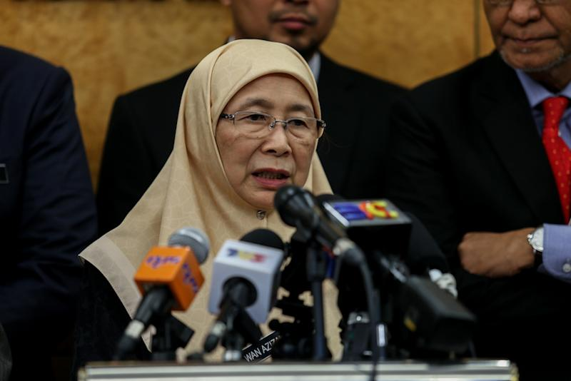 Deputy Prime Minister Datuk Seri Dr Wan Azizah Wan Ismail condemned the suicide bombings in Sri Lanka that killed at least 138 people on Easter Sunday today. — Picture by Ahmad Zamzahuri