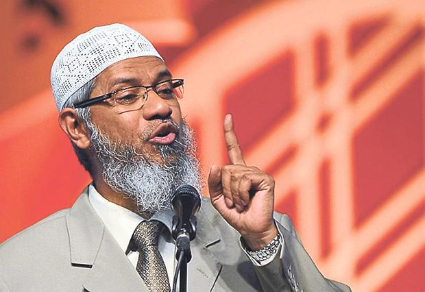 """Every Muslim should be a terrorist. The thing is if he is terrorising the terrorist, he is following Islam. Whether he is or not, I don't know. But you as Muslims know that, without checking… laying allegations is also wrong."" (Image: Malay Online)"
