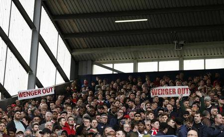 Britain Football Soccer - West Bromwich Albion v Arsenal - Premier League - The Hawthorns - 18/3/17 Arsenal fans with 'Wenger Out' banners Action Images via Reuters / Andrew Boyers Livepic