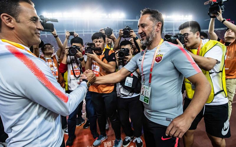 Positive talks have taken place with Shanghai SIPG boss Vitor Pereira to become the new Everton manager - AFP