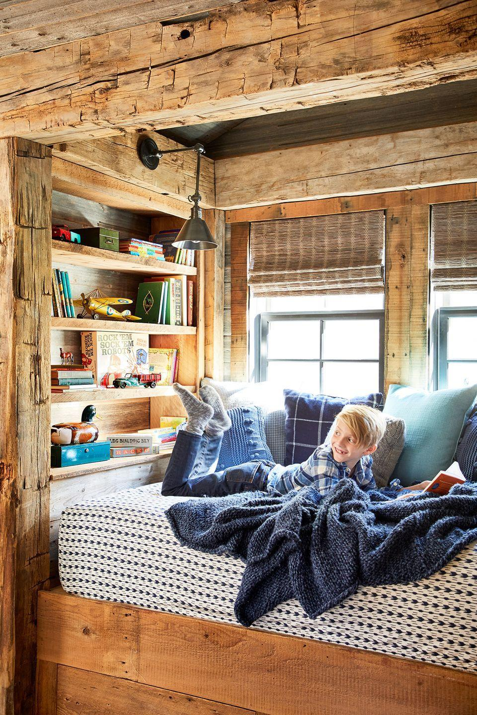 <p>Unfinished wood adds to this bedroom reading nook's relaxed vibe. </p>
