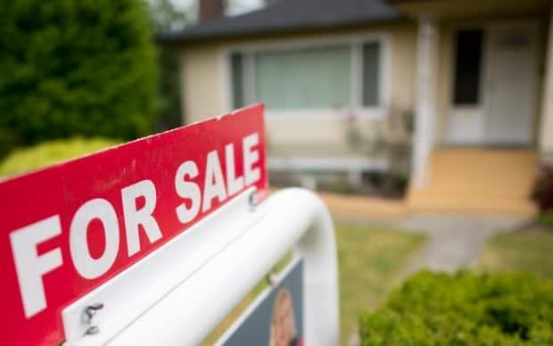 The Real Estate Council of B.C. is cancelling the licence of an agent who impersonated someone else during a deal. (Jonathan Hayward/Canadian Press - image credit)