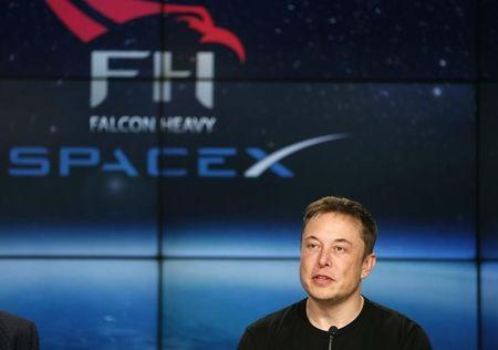 US FCC approves SpaceX plan for broadband satellite services