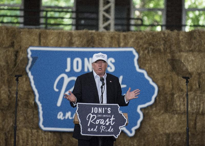 Republican presidential nominee Donald Trump speaks at the 2nd annual Joni Ernst Roast and Ride event on August 27, 2016 in Des Moines, Iowa (AFP Photo/Stephen Maturen)