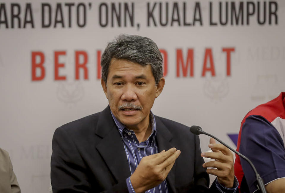 Datuk Seri Mohamad Hasan said the action by de facto Law Minister Datuk Seri Takiyuddin Hassan and AttorneyGeneral Tan Sri Idrus Harun has besmirched Parliament and the royal institution. — Picture by Firdaus Latif