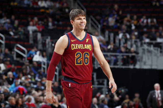 "The <a class=""link rapid-noclick-resp"" href=""/nba/teams/cle"" data-ylk=""slk:Cleveland Cavaliers"">Cleveland Cavaliers</a> reportedly traded <a class=""link rapid-noclick-resp"" href=""/nba/players/3754/"" data-ylk=""slk:Kyle Korver"">Kyle Korver</a> to the <a class=""link rapid-noclick-resp"" href=""/nba/teams/uth"" data-ylk=""slk:Utah Jazz"">Utah Jazz</a> on Wednesday afternoon. (Jeff Haynes/Getty Images)"