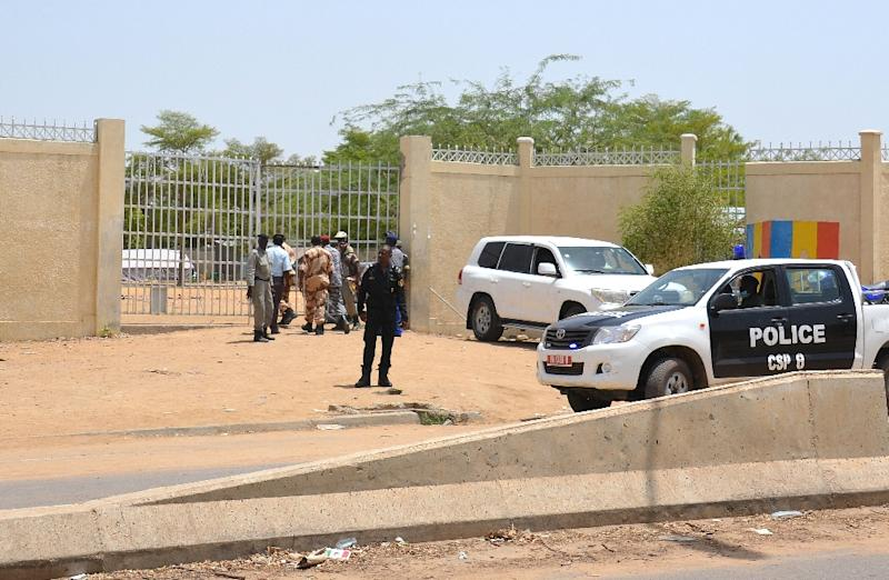 A picture taken on June 15, 2015 shows police forces outside the police headquarters in N'Djamena