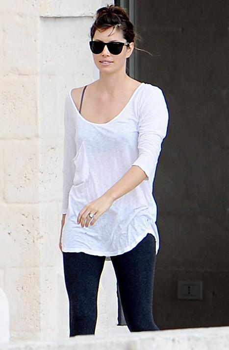 PICTURE: Jessica Biel Steps Out Solo Post-Wedding -- See Her Ring!
