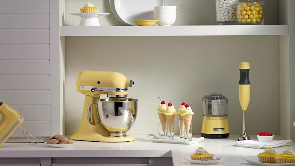 Ring in Father's Day by saving 10% on this KitchenAid mixer.