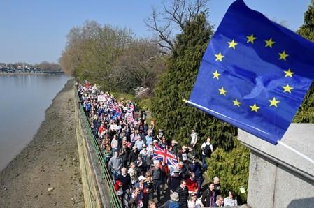 Pro-Brexit protesters take part in the March to Leave demonstration in London