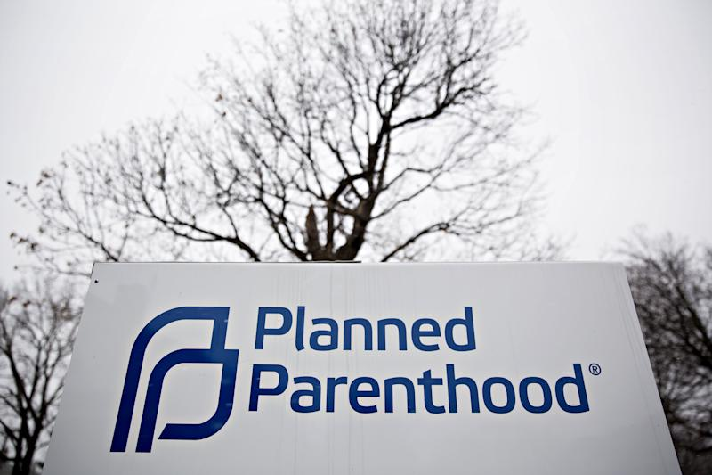 Social Conservatives Make Last-Minute Push to Defund Planned Parenthood