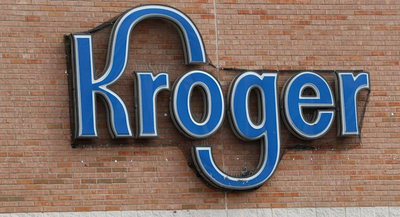 Kroger deli worker chokes coworker over where she put the trash, Tennessee cops say