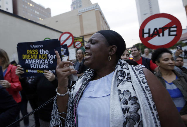 <p>Protestors march in support of Deferred Action for Childhood Arrivals (DACA) and Temporary Protected Status (TPS) programs for immigrants, Wednesday, Jan. 17, 2018, in Miami, Fla. (Photo: Lynne Sladky/AP) </p>