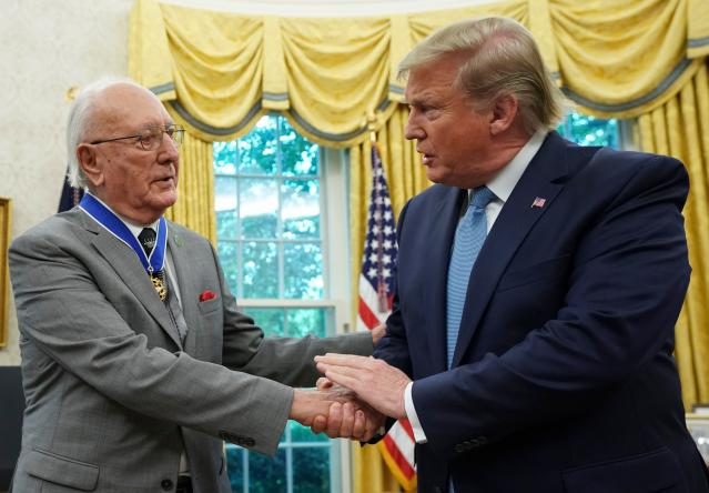 Bob Cousy becomes the fourth athlete to receive the Presidential Medal of Freedom from Donald Trump. (Getty)