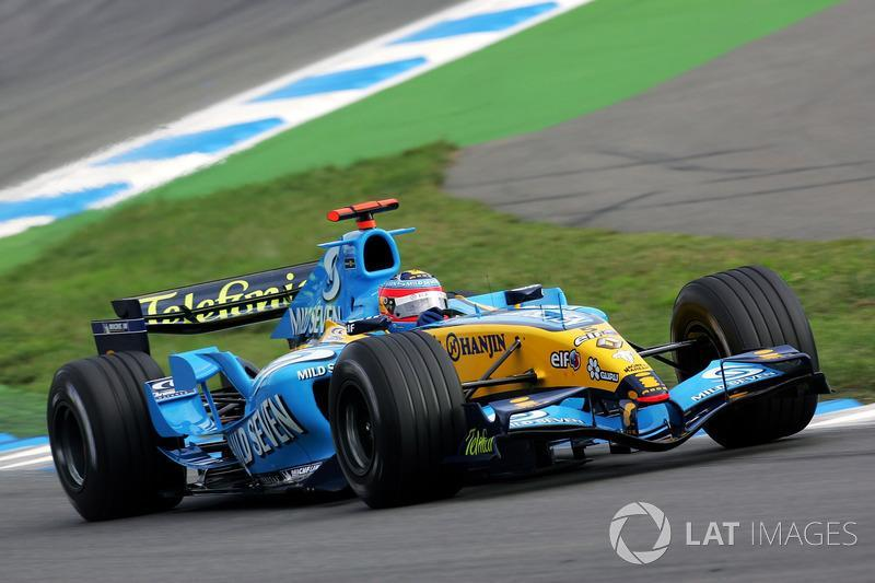 "Fernando Alonso, Renault R25<span class=""copyright"">Sutton Images</span>"