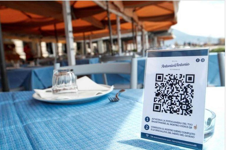 No tocar. Restaurantes y bares incorporaron la carta virtual, con QR