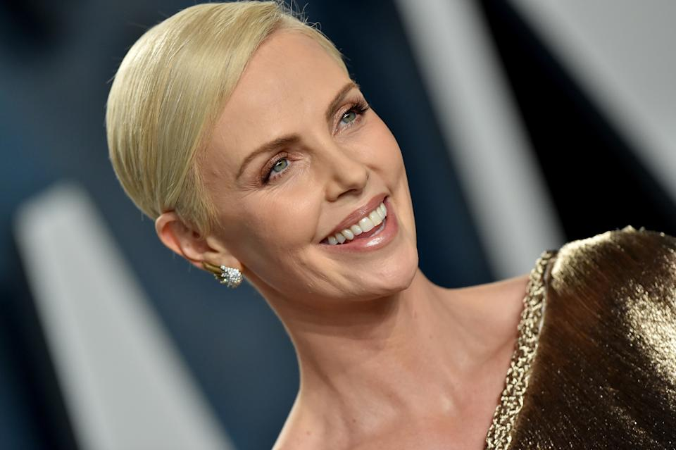 BEVERLY HILLS, CALIFORNIA - FEBRUARY 09: Charlize Theron attends the 2020 Vanity Fair Oscar Party hosted by Radhika Jones at Wallis Annenberg Center for the Performing Arts on February 09, 2020 in Beverly Hills, California. (Photo by Axelle/Bauer-Griffin/FilmMagic)
