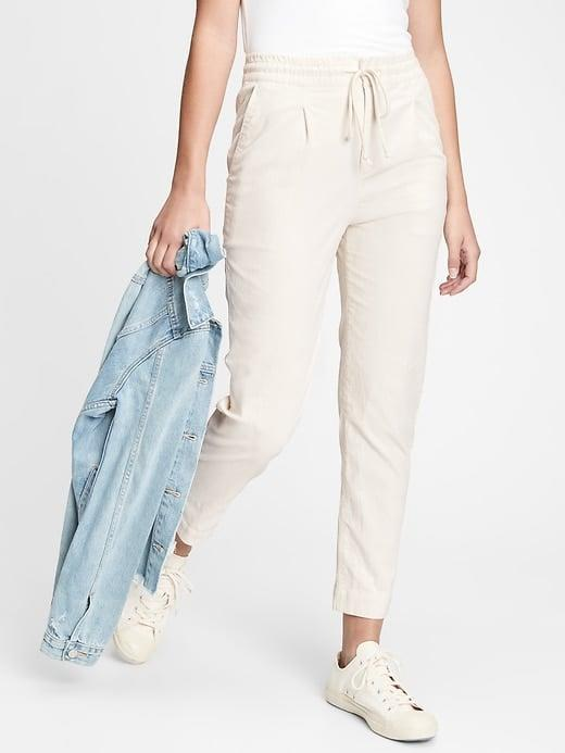 <p>These <span>Gap High Rise Corduroy Joggers</span> ($70) look polished and casual at the same time.</p>