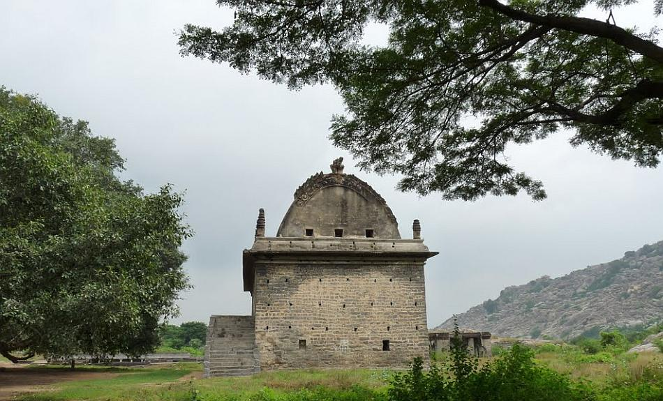 """Every dynasty that laid claim to Gingee left remnants of individual architectural styles, making the fort a smorgasbord of historical relics. Although its past was probably washed with the blood of hundreds, today war and peace sleep in harmony at Gingee.<br><br>Read the related blog post, <a target=""""_blank"""" href=""""http://in.lifestyle.yahoo.com/blogs/traveler/gingee-fort-history-smorgasbord-090633638.html"""">Gingee Fort - history's smorgasbord</a>"""