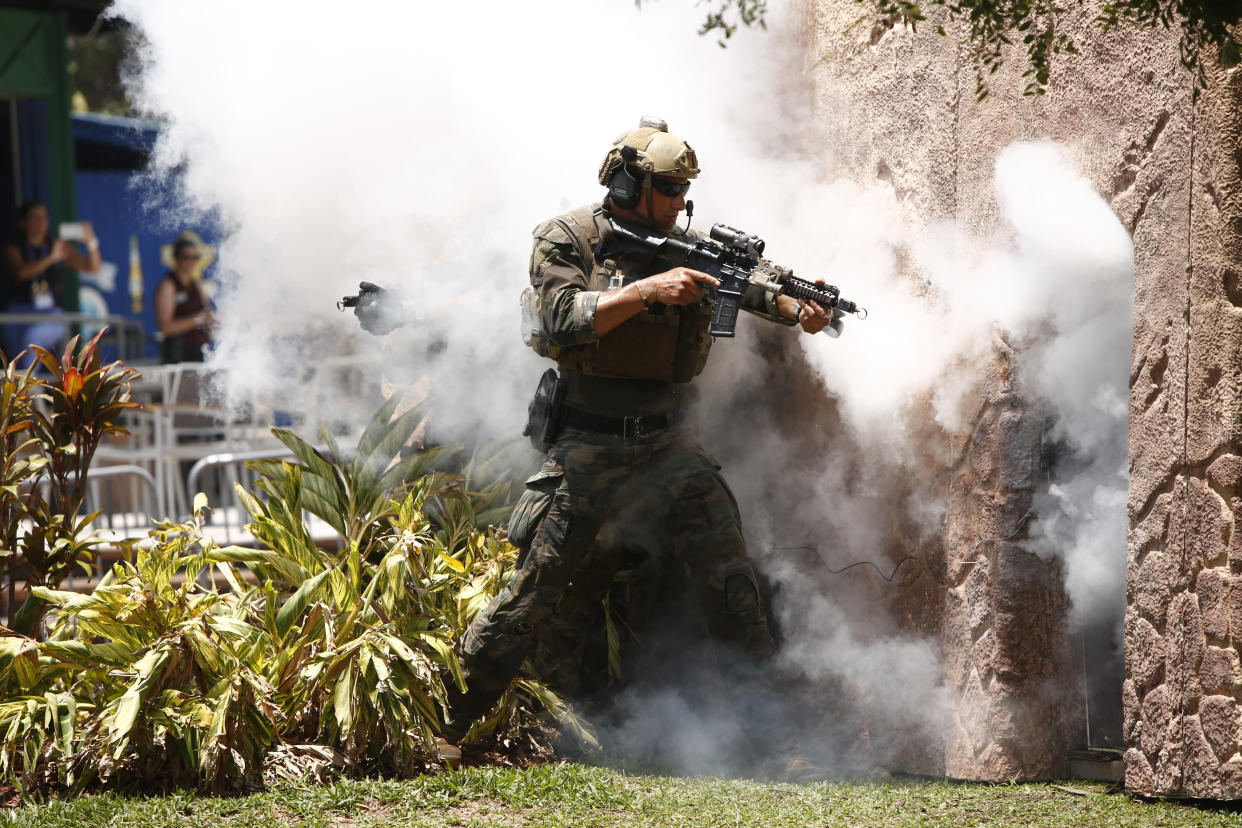 Special operators assault a simulated terrorist building in an SOF capabilities exercise, May 23, 2018, in Tampa, Fla. (Photo: Brian Blanco/Getty Images)