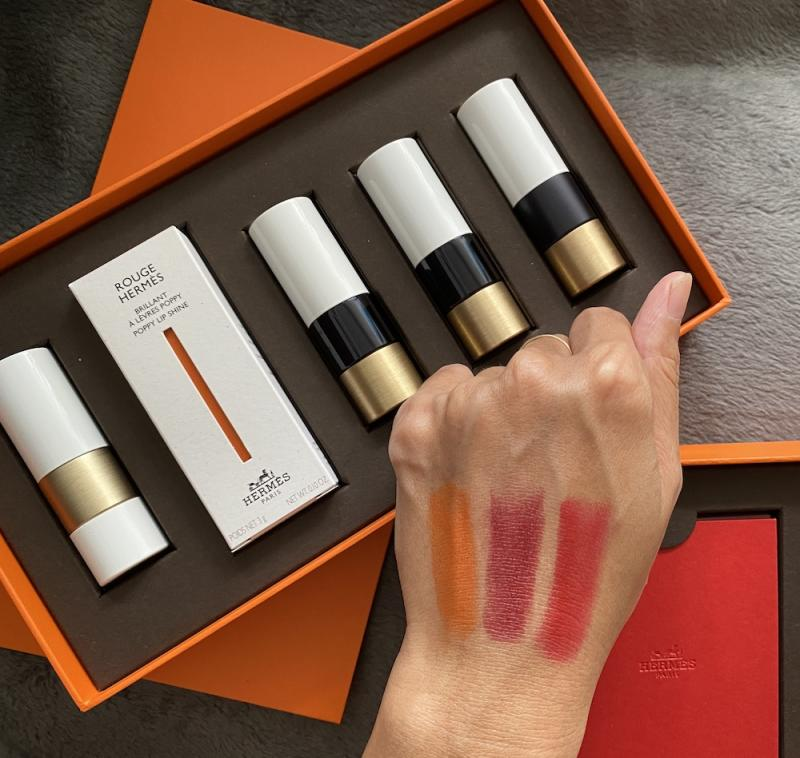 Swatches from 33 Orange Boite (satin), 85 Rouge H (satin) and 64 Rouge Casaque (matte). (PHOTO: Reta Lee/Yahoo Lifestyle SEA)