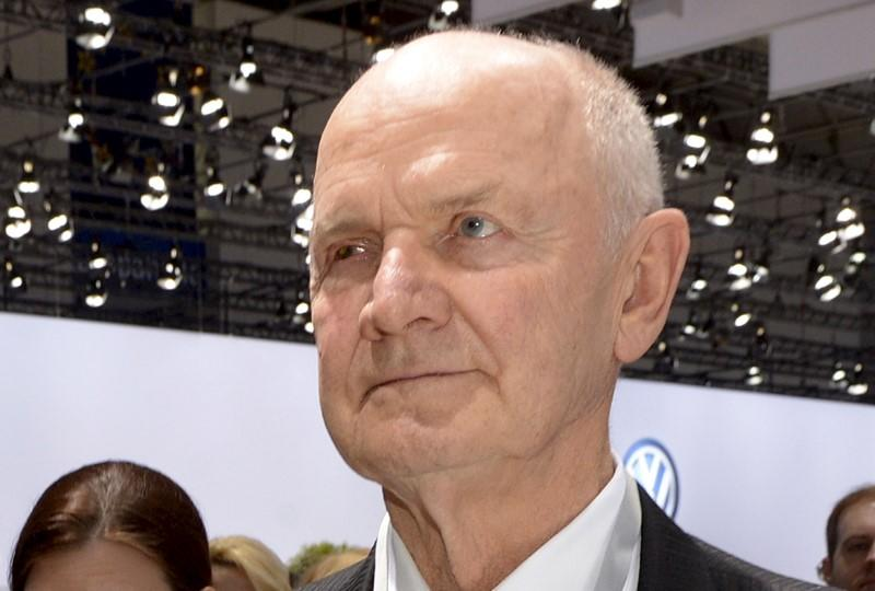File photo shows Piech, former chairman of the supervisory board of German carmaker Volkswagen, arriving at the annual shareholders meeting in Hanover