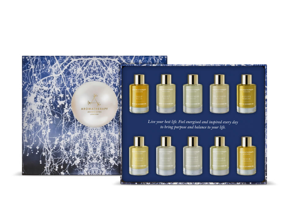 <p><span>The ultimate gift for that someone extra special. Featuring 10 award-winning potent blends in deluxe discovery sizes, this collection is the perfect introduction into the world </span><span>of aromatherapy. Each essential oil complex is hand-blended and provides unique wellbeing benefits to relax, unwind, feel energised, bring comfort and confidence. </span> </p>
