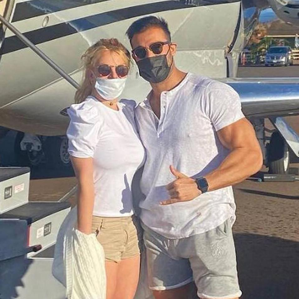 "Britney Spears and Sam Asghari Escape to Hawaii After Being ""Upset"" By  Conservatorship Battle"
