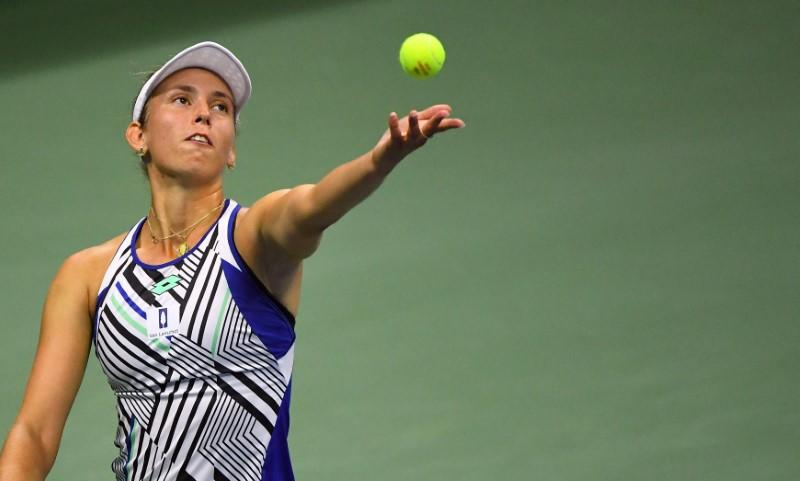 Mertens takes down second seed Kenin to reach last eight