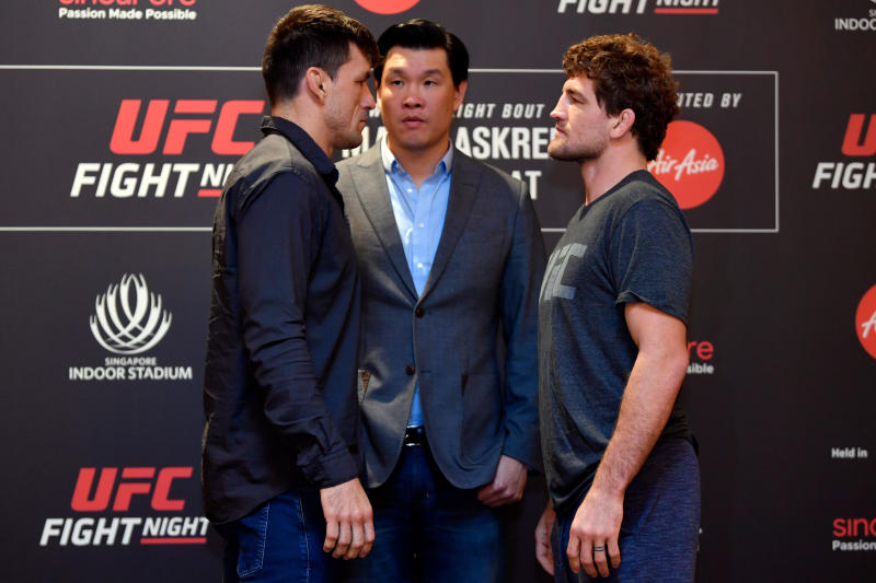 SINGAPORE, SINGAPORE - OCTOBER 24: (L-R) Opponents Demian Maia of Brazil and Ben Askren face off during the UFC Fight Night Ultimate Media Day at the Mandarin Oriental on October 24, 2019 in Singapore, Singapore. (Photo by Jeff Bottari/Zuffa LLC via Getty Images)