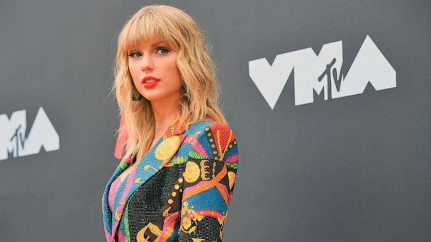 PHOTO:Taylor Swift arrives for the 2019 MTV Video Music Awards at the Prudential Center in Newark, N.J., Aug. 26, 2019. (Johannes Eisele/AFP via Getty Images, FILE)