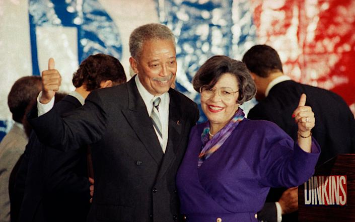 With his wife Joyce in 1989 - Ron Frehm/AP