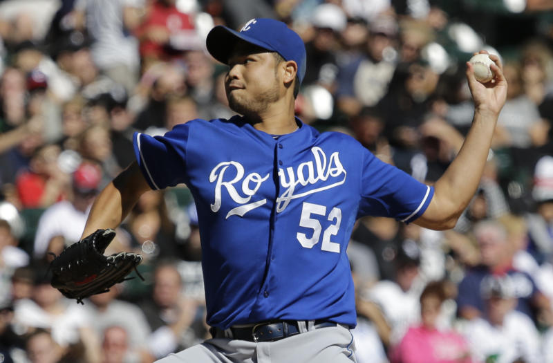 Kansas City Royals starter Bruce Chen throws against the Chicago White Sox during the first inning of a baseball game in Chicago, Sunday, Sept. 29, 2013. (AP Photo/Nam Y. Huh)