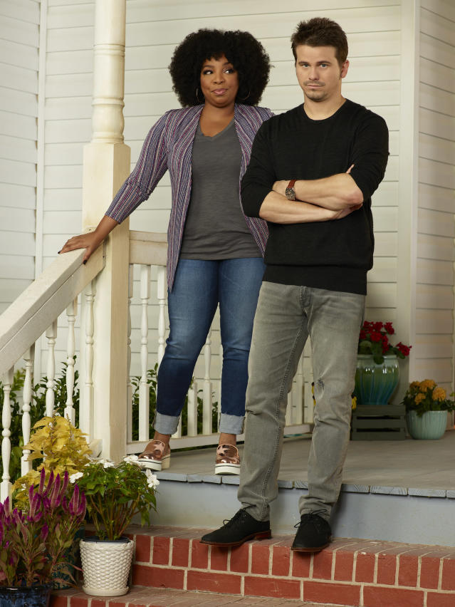 Kimberly Hébert Gregory and Jason Ritter in <em>Kevin (Probably) Saves the World</em>. (Photo: Bob D'Amico/ABC)