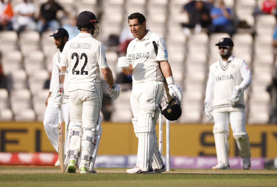 Cricket - ICC World Test Championship Final - India v New Zealand - Rose Bowl, Southampton, Britain - June 23, 2021 New Zealand's Ross Taylor reacts after getting hit on the helmet by a ball alongside Kane Williamson Action Images via Reuters/John Sibley