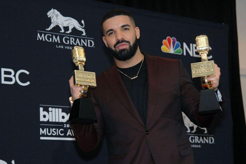 <p>Drake pulls off one of the best shaved head, full beard looks around. It's hard now to imagine him from before . . . </p>