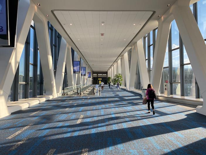 <br>Flying into the new LaGuardia Airport Terminal B.