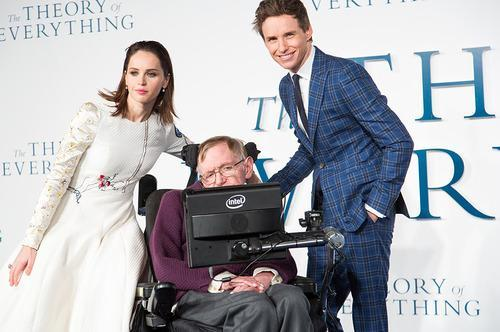 eddie redmayne stephen hawking comparison. the legendary scientist is having his life brought to big screen in new biopic u0027the theory of everythingu0027 starring eddie redmayne and felicity jones stephen hawking comparison e