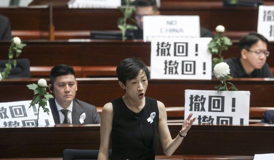 The rules on the use of placards are likely to be changed as well. Photo: Dickson Lee