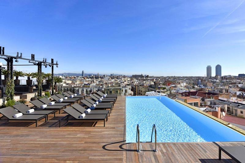 Take in the views from the Grand Hotel's rooftop infinity pool (Grand Hotel Central)