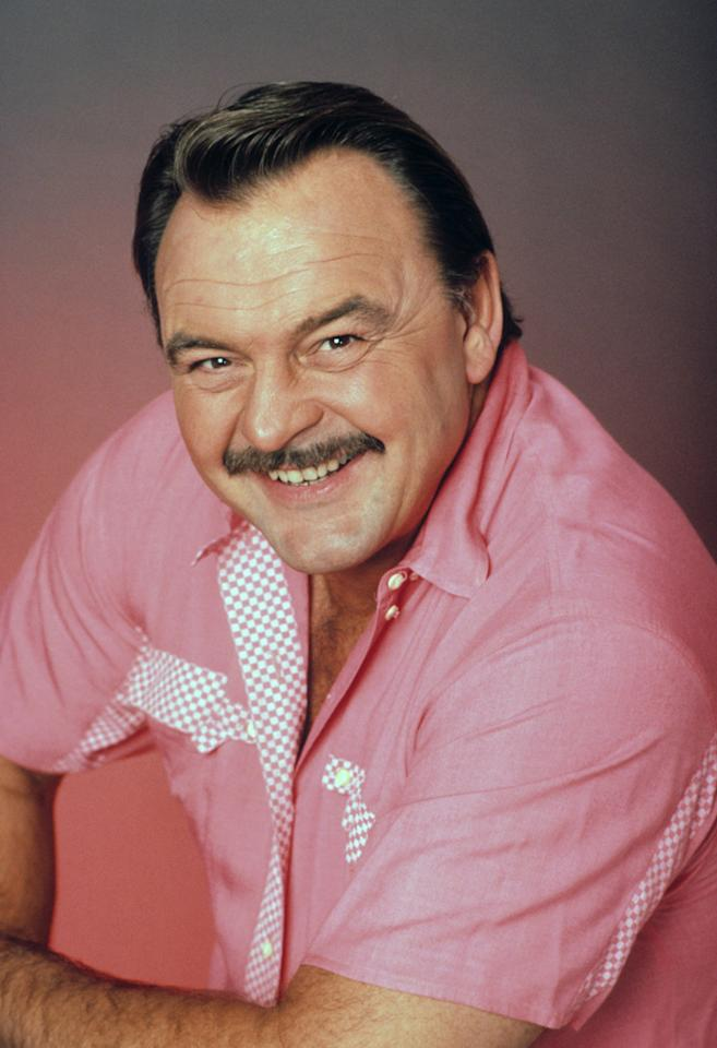 "<strong>WORST:</strong> Dick Butkus, ""<a href=""http://tv.yahoo.com/my-two-dads/show/32348"">My Two Dads</a>""<br><br>   Probably the only guy tough enough to have a name like ""Dick Butkus"" and still never get made fun of, the hulking Bears linebacker terrorized opponents during his stellar nine-year NFL career. (They named an award after the guy, for Pete's sake.) Unfortunately, Butkus didn't have quite the same success as he tried to transition from gridiron greatness to TV stardom, appearing on ""<a href=""http://tv.yahoo.com/growing-pains/show/30841"">Growing Pains</a>,"" ""<a href=""http://tv.yahoo.com/macgyver/show/31884"">MacGyver</a>,"" and most notably as gruff café manager Ed Klawicki on two seasons of NBC's '80s sitcom ""My Two Dads."" We'd say more about his acting ability, but we're afraid he might be reading this."