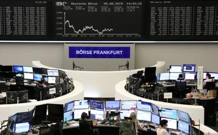 European shares extend trade driven slide to third day