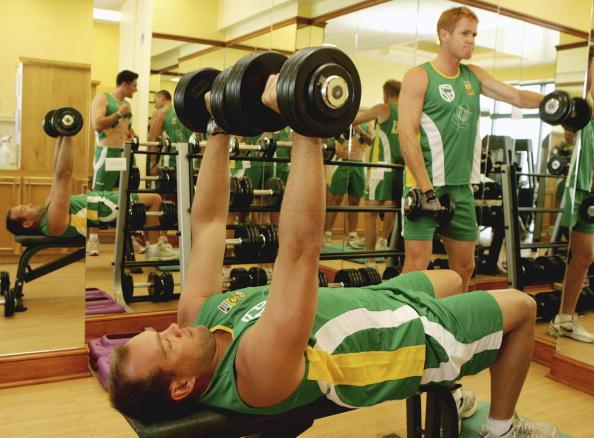 BARBADOS, WEST INDIES - APRIL 19: Jacques Kallis and Shaun Pollock lift weights during the South Africa gym training session on April 19, 2007 in Bridgetown, Barbados (Photo by Duif du Toit/Gallo Images/Getty Images)
