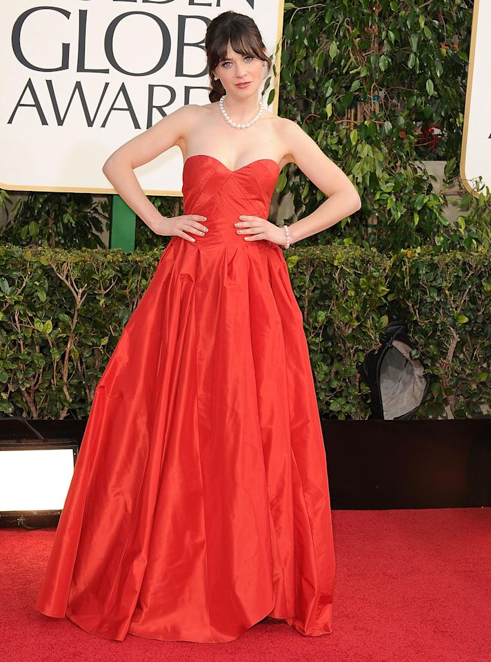 New Girl star Zooey Deschanel stood out at the Golden Globes in this strapless Oscar de la Renta gown.