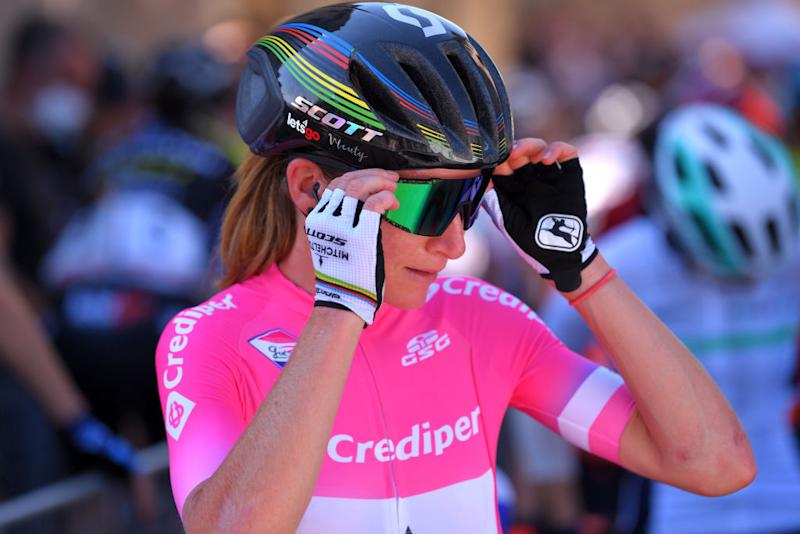 ASSISI ITALY SEPTEMBER 13 Start Annemiek Van Vleuten of The Netherlands and Team Mitchelton Scott Pink Leader Jersey during the 31st Giro dItalia Internazionale Femminile 2020 Stage 3 a 1422km stage from Santa Fiora to Assisi 413m GiroRosaIccrea GiroRosa on September 13 2020 in Assisi Italy Photo by Luc ClaessenGetty Images